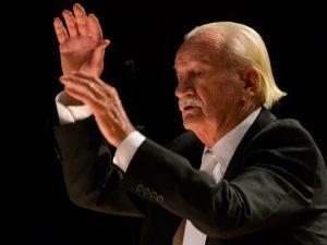 Ernst Mahle rege Sinfônica de Piracicaba no concerto dos 250 anos da cidade